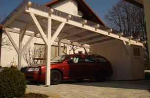 Carport mit Wellplatten